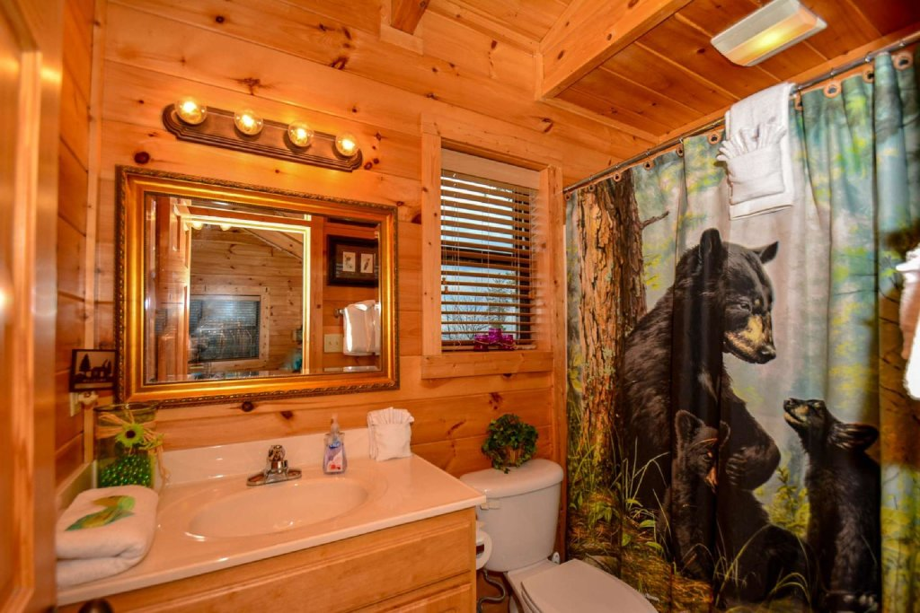 Photo of a Sevierville Cabin named Hideaway Haven - This is the fourteenth photo in the set.