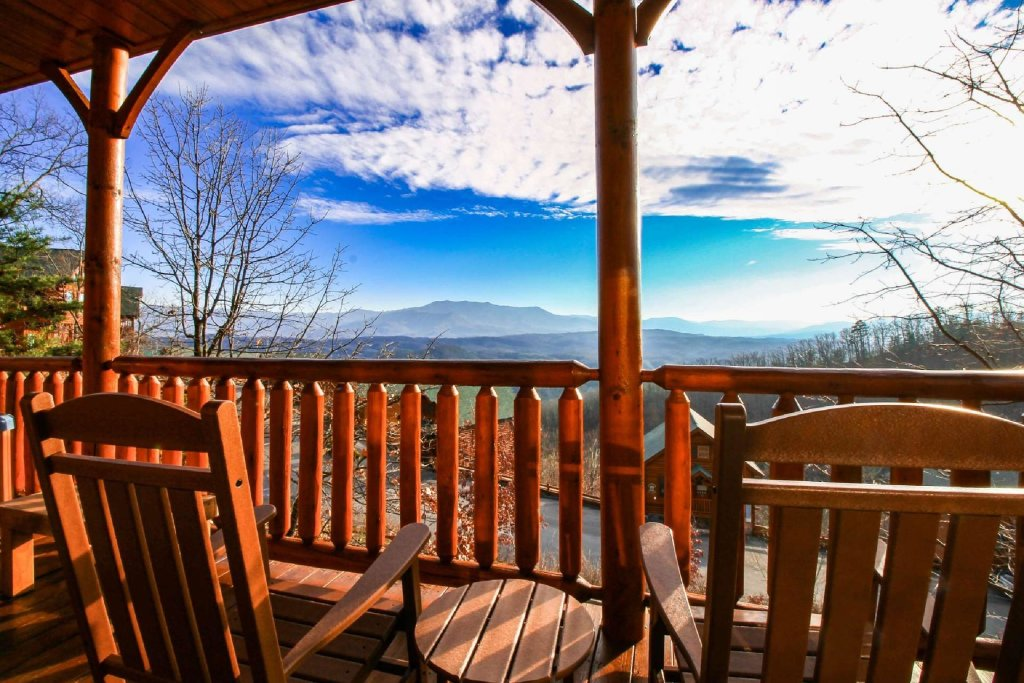 Photo of a Pigeon Forge Cabin named Star Struck - This is the first photo in the set.