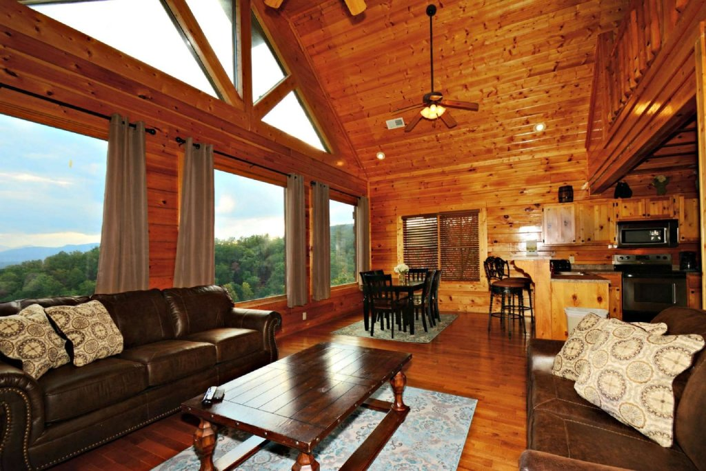 Photo of a Pigeon Forge Cabin named Star Struck - This is the fifth photo in the set.