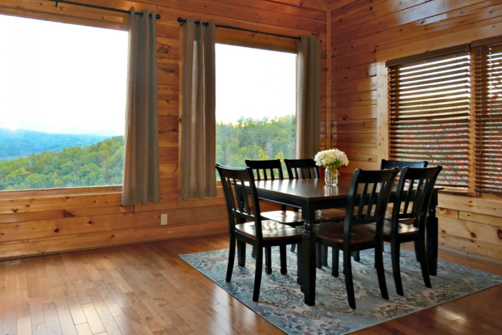 Photo of a Pigeon Forge Cabin named Star Struck - This is the ninth photo in the set.