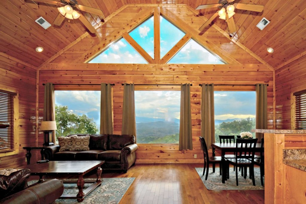 Photo of a Pigeon Forge Cabin named Star Struck - This is the second photo in the set.