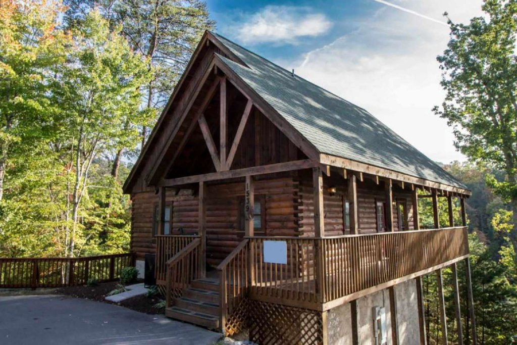 Photo of a Pigeon Forge Cabin named Kick Back Shack - This is the first photo in the set.
