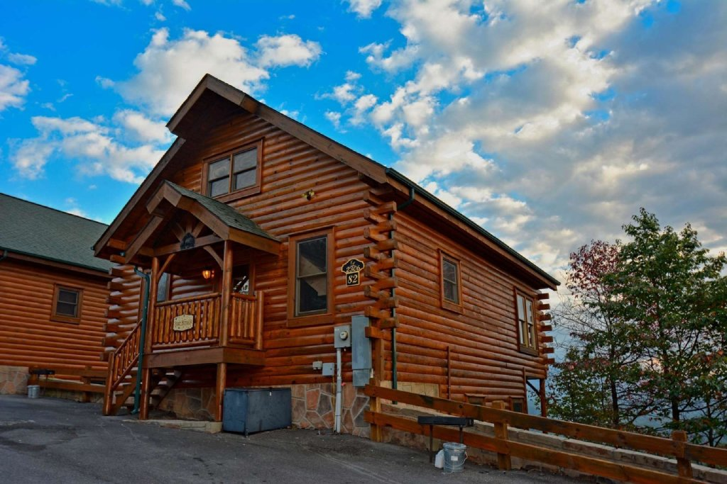 Photo of a Pigeon Forge Cabin named Star Struck - This is the fourth photo in the set.