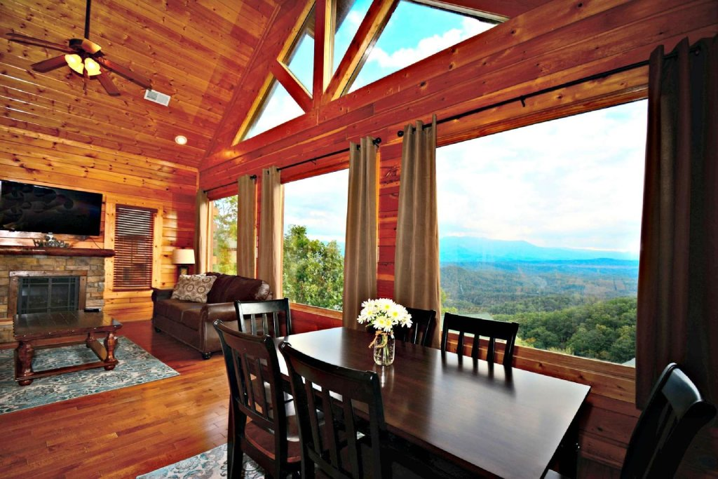 Photo of a Pigeon Forge Cabin named Star Struck - This is the sixth photo in the set.