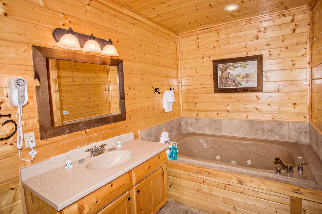 Photo of a Pigeon Forge Cabin named Best Of View - This is the nineteenth photo in the set.