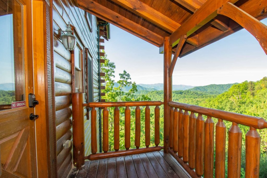 Photo of a Sevierville Cabin named Mountains Blessing - This is the thirty-second photo in the set.