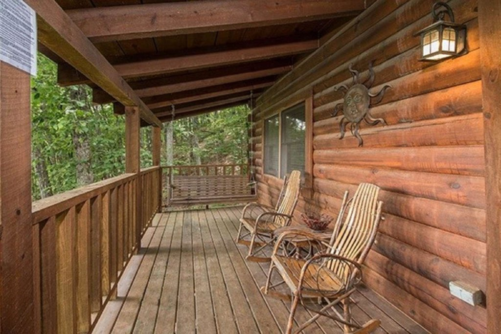 Photo of a Sevierville Cabin named Bear Mountain Cabin - This is the fifth photo in the set.