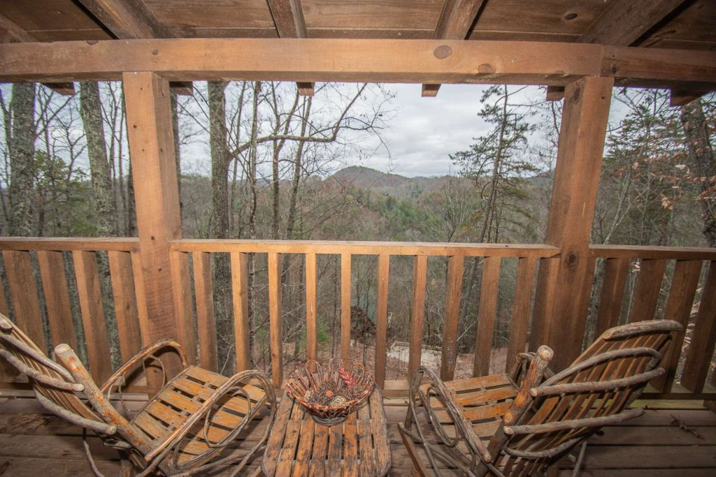 Photo of a Sevierville Cabin named Bear Mountain Cabin - This is the seventh photo in the set.