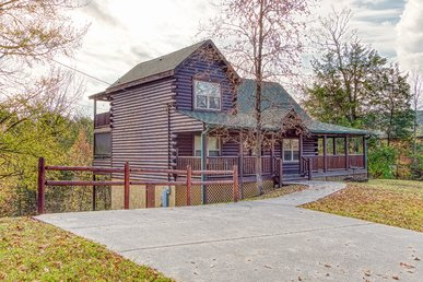 Private Spacious Log Cabin With 2 Jacuzzi Tub Master Suites And Game Room!