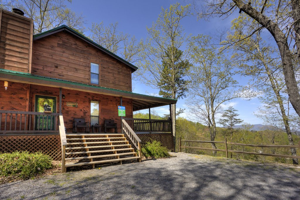 Photo of a Pigeon Forge Cabin named Kickback Shack #298 - This is the first photo in the set.