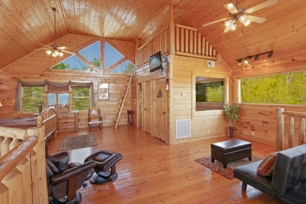 Photo of a Sevierville Cabin named Bella Yani - This is the sixteenth photo in the set.