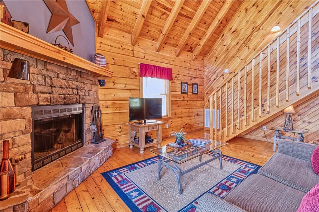 Photo of a Gatlinburg Cabin named Mountain Glory 2 - This is the third photo in the set.