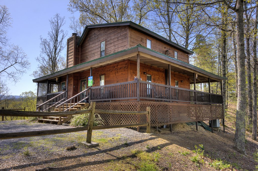 Photo of a Pigeon Forge Cabin named Kickback Shack #298 - This is the twenty-eighth photo in the set.