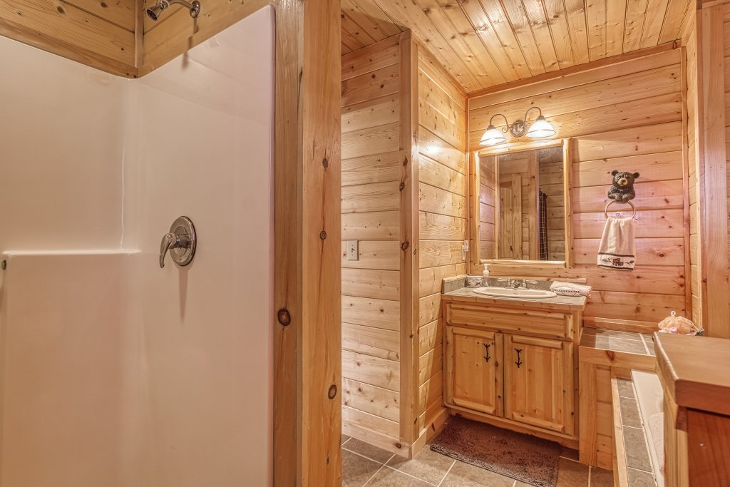 Photo of a Sevierville Cabin named Sugar Bear #268 - This is the twenty-second photo in the set.