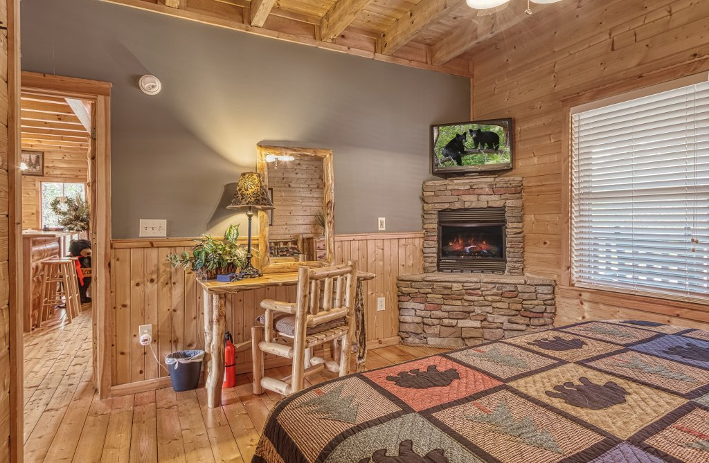 Photo of a Sevierville Cabin named Sugar Bear #268 - This is the twentieth photo in the set.
