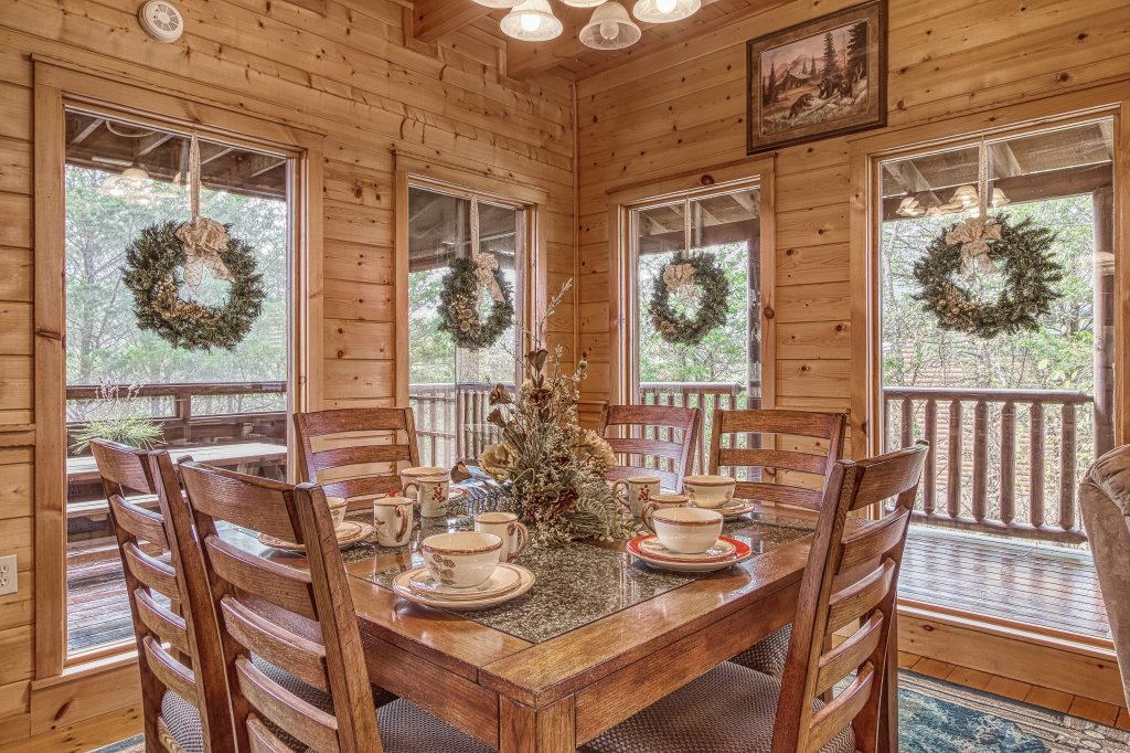 Photo of a Sevierville Cabin named Sugar Bear #268 - This is the sixteenth photo in the set.