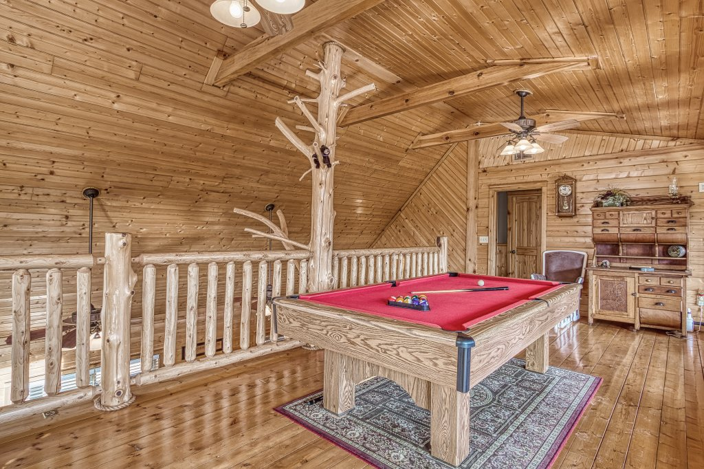 Photo of a Sevierville Cabin named Sugar Bear #268 - This is the twenty-fifth photo in the set.