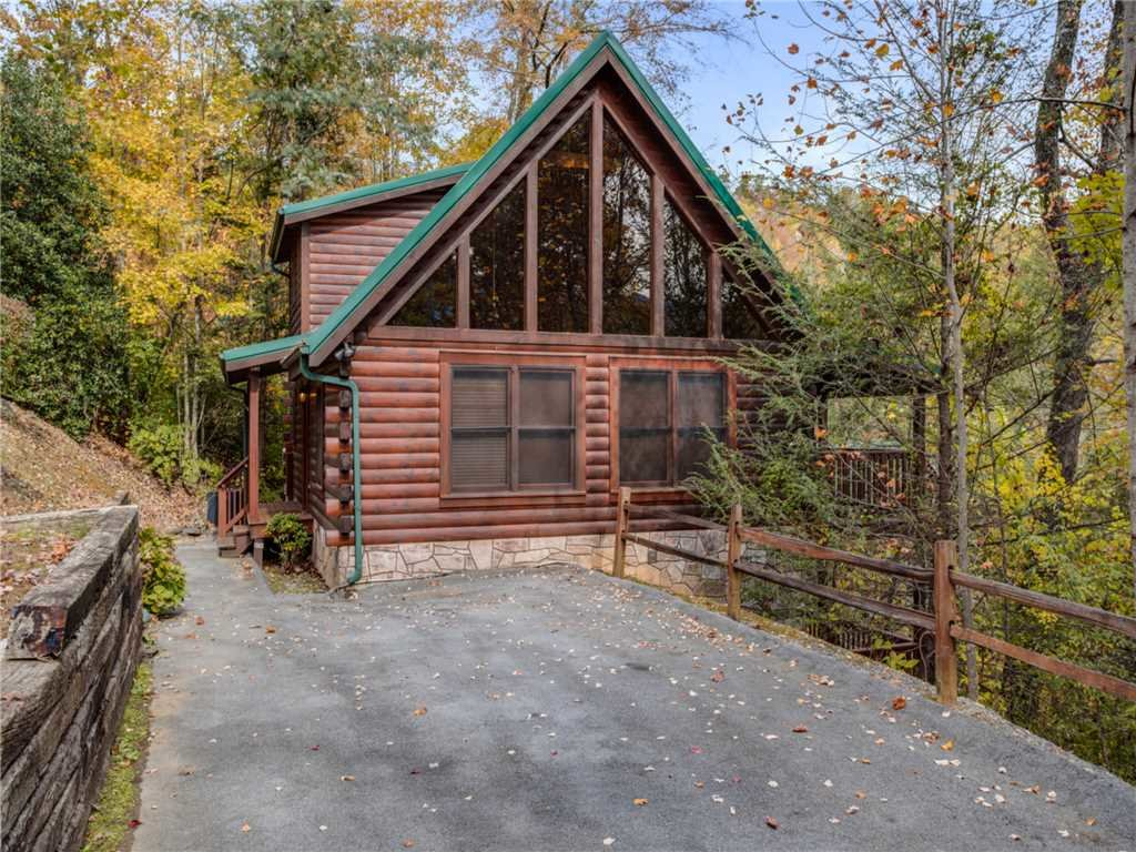 Photo of a Gatlinburg Cabin named Mountain Elegance - This is the twenty-fifth photo in the set.