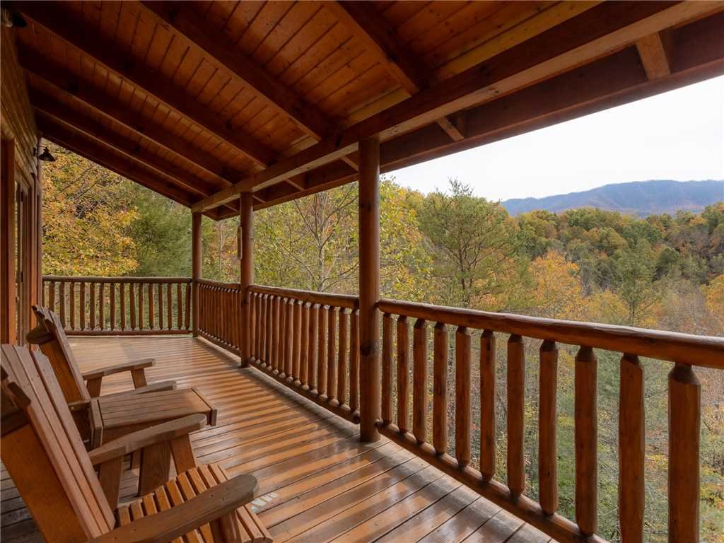 Photo of a Gatlinburg Cabin named Changes In Latitude - This is the thirtieth photo in the set.