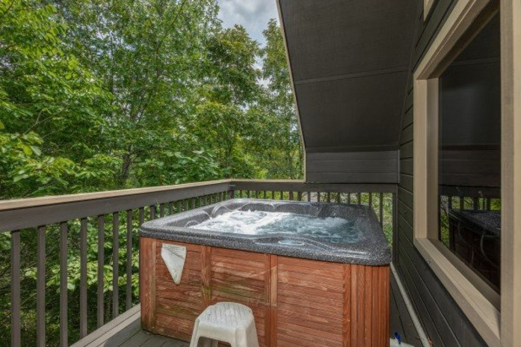 Photo of a Pigeon Forge Cabin named Amazing Memories - This is the nineteenth photo in the set.