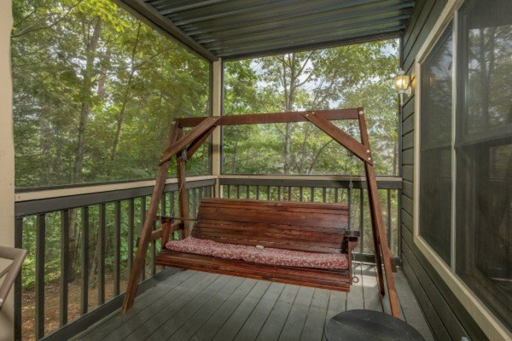 Photo of a Pigeon Forge Cabin named Amazing Memories - This is the twenty-second photo in the set.