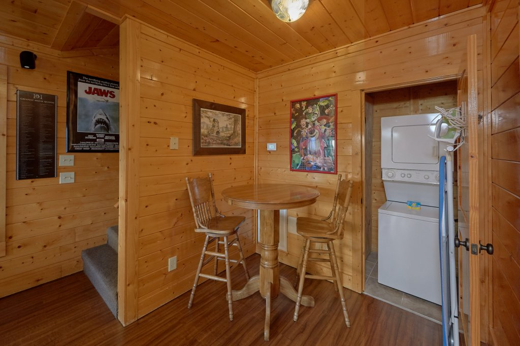 Photo of a Pigeon Forge Cabin named Incredible Views - This is the second photo in the set.