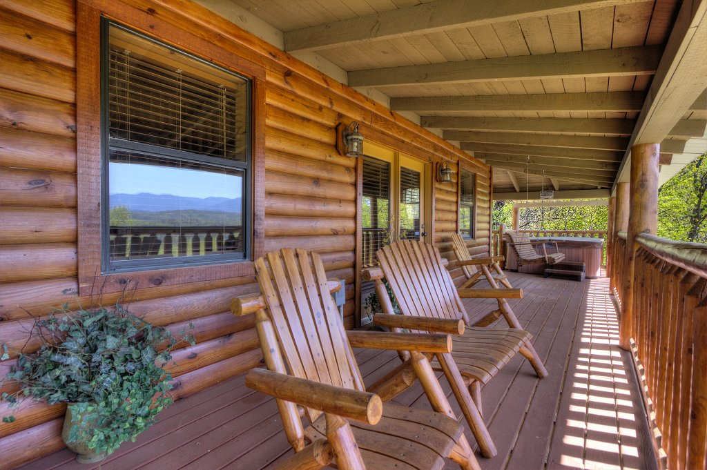 Photo of a Pigeon Forge Cabin named Grandpa Bear's View #233 - This is the thirteenth photo in the set.
