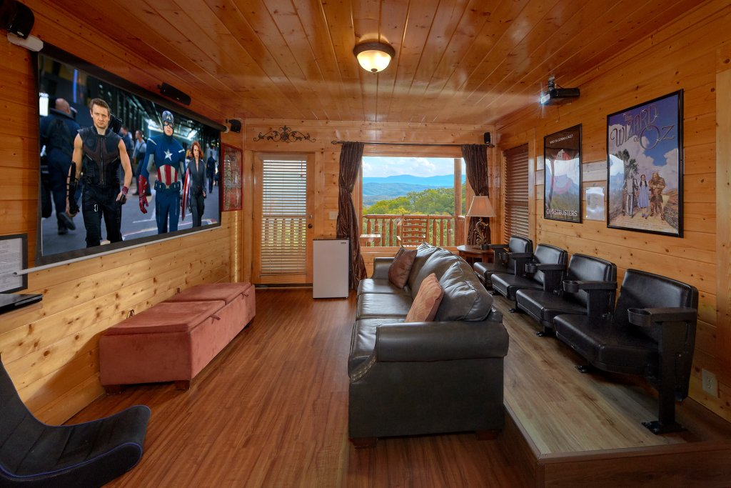 Photo of a Pigeon Forge Cabin named Incredible Views - This is the fifth photo in the set.