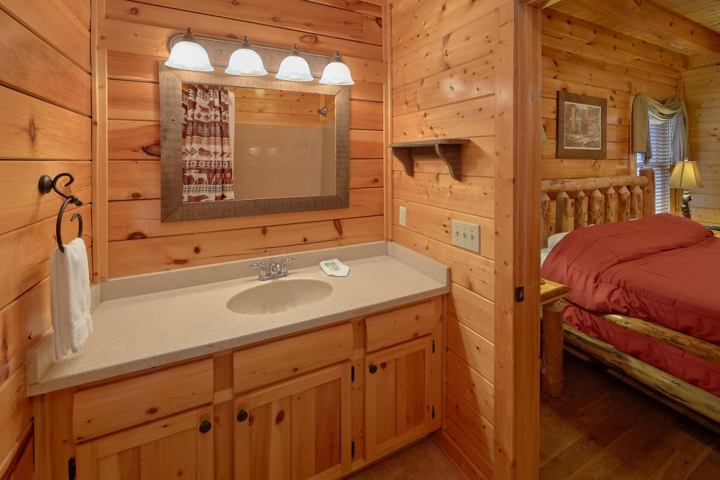 Photo of a Pigeon Forge Cabin named Incredible Views - This is the seventeenth photo in the set.
