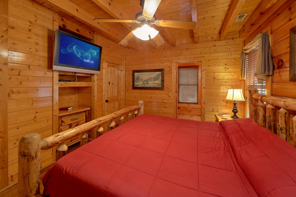 Photo of a Pigeon Forge Cabin named Incredible Views - This is the fifteenth photo in the set.