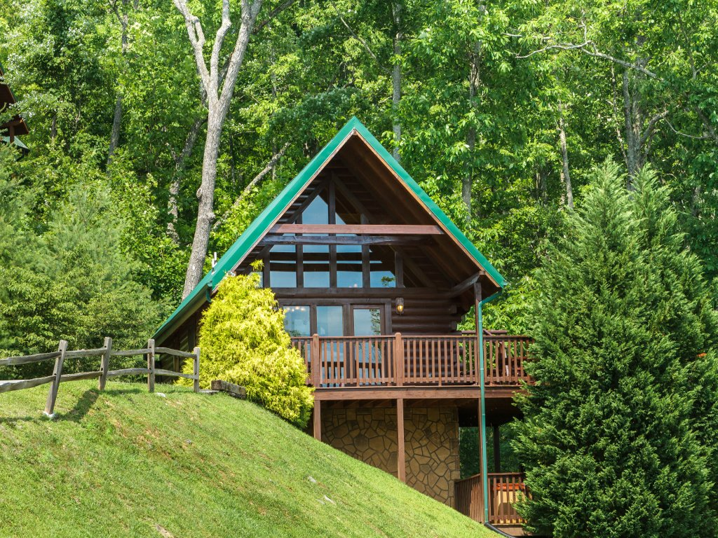 Photo of a Gatlinburg Cabin named Saddle Ridge - This is the twenty-seventh photo in the set.