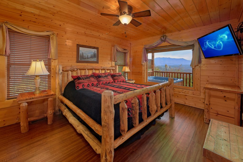 Photo of a Pigeon Forge Cabin named Incredible Views - This is the twentieth photo in the set.