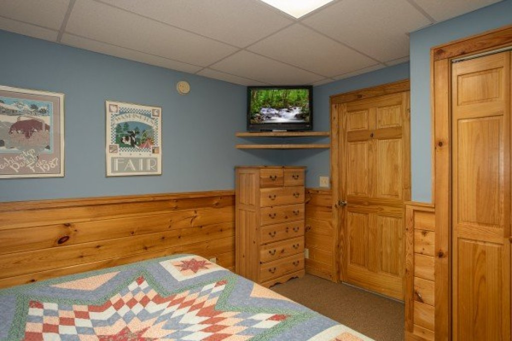 Photo of a Pigeon Forge Cabin named Granny D's - This is the twenty-second photo in the set.