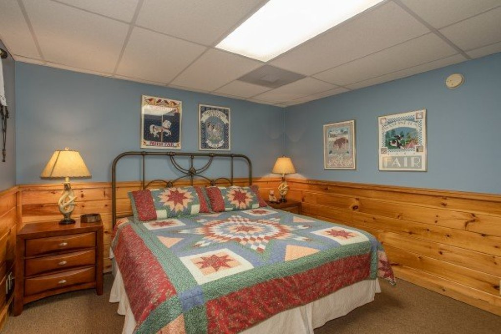 Photo of a Pigeon Forge Cabin named Granny D's - This is the twenty-first photo in the set.