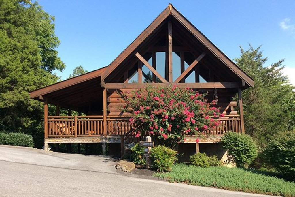 Photo of a Pigeon Forge Cabin named Granny D's - This is the twenty-fifth photo in the set.