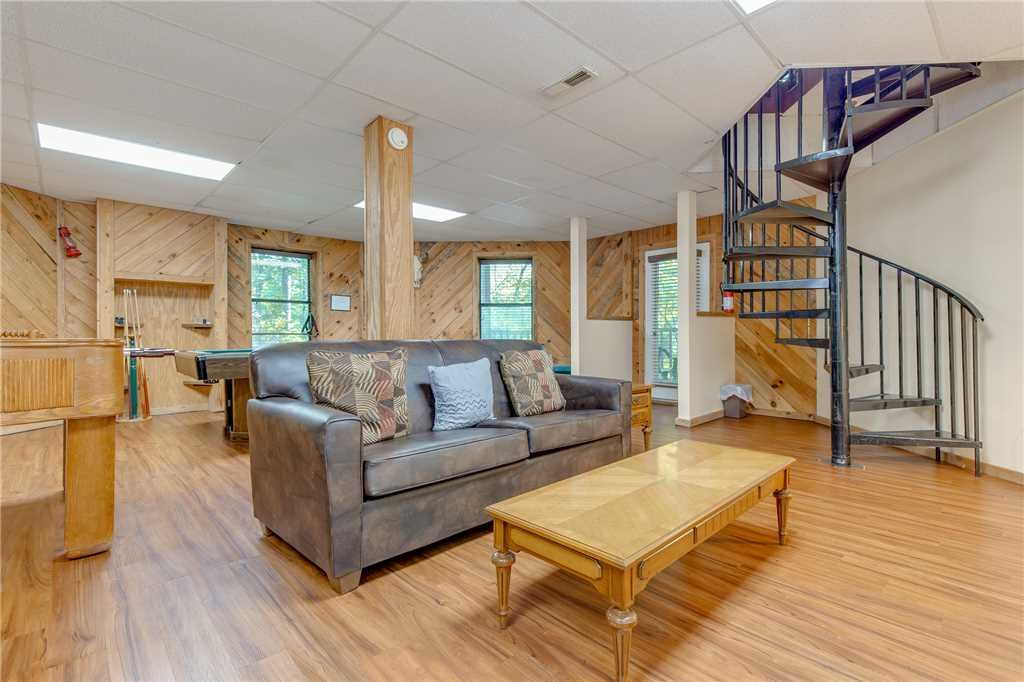 Photo of a Gatlinburg Cabin named Smoky View Chalet - This is the ninth photo in the set.