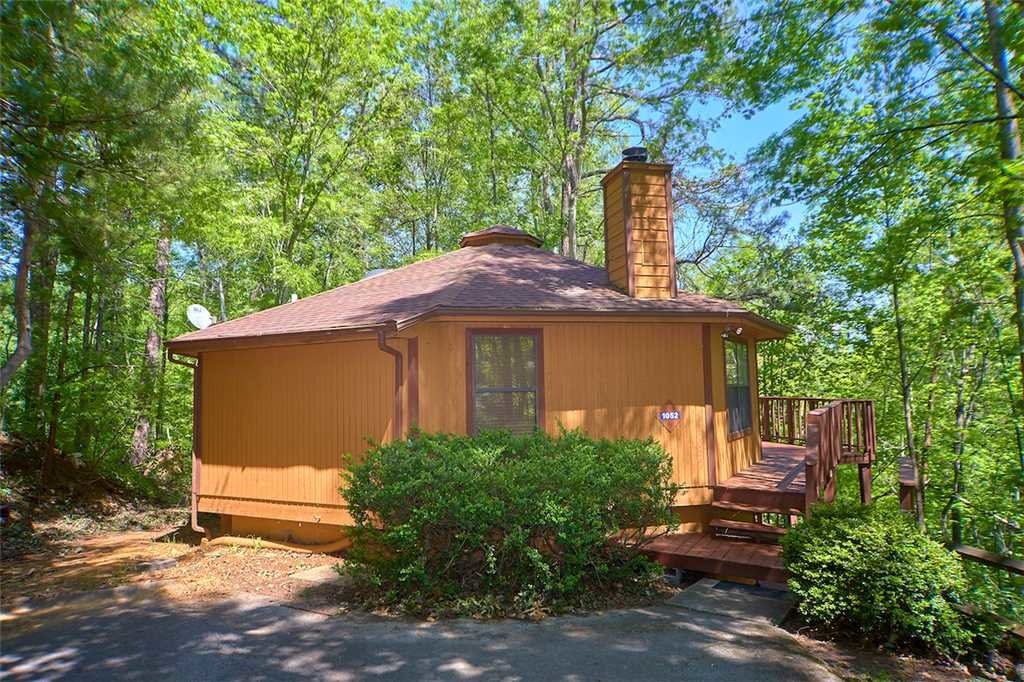 Photo of a Gatlinburg Cabin named Smoky View Chalet - This is the first photo in the set.