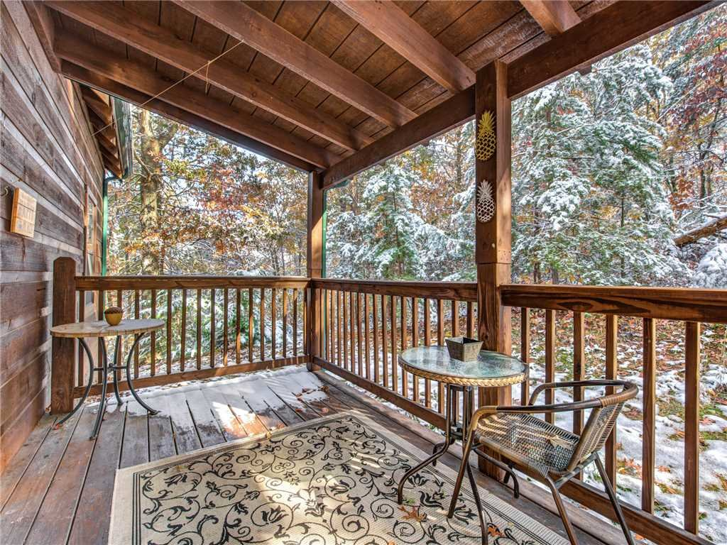 Photo of a Sevierville Cabin named Sunset Lodge - This is the first photo in the set.