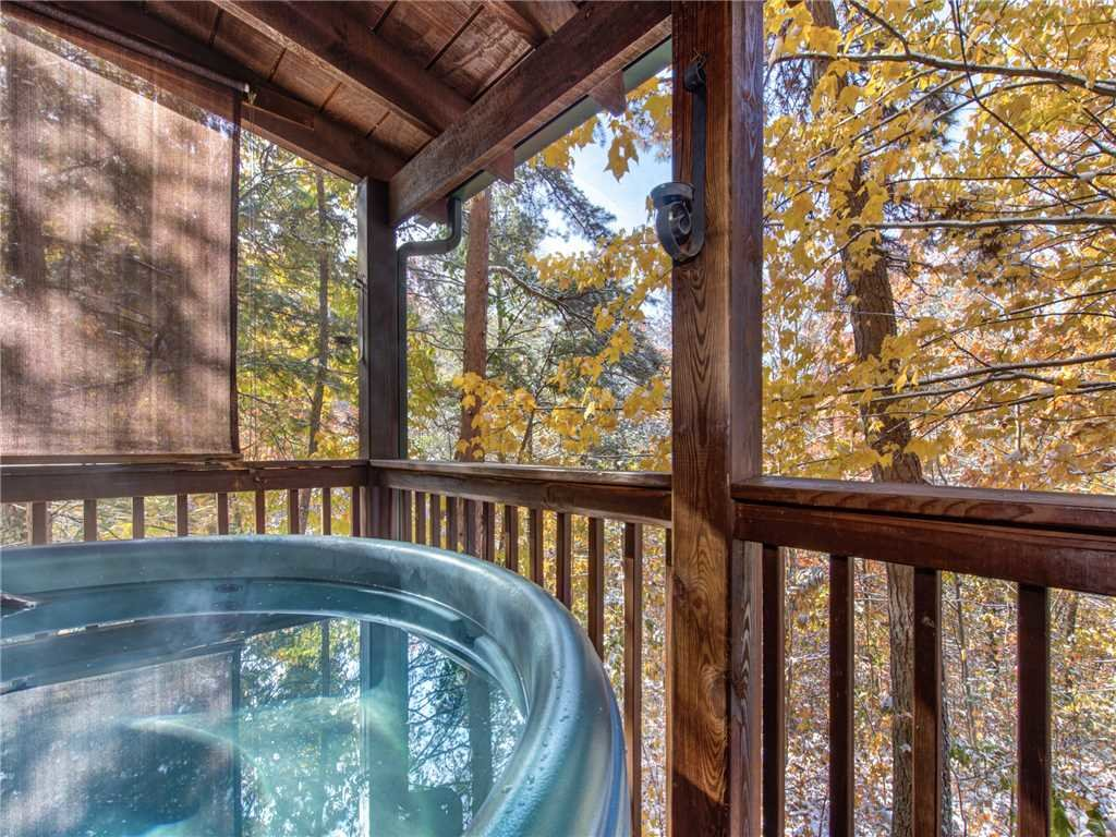 Photo of a Sevierville Cabin named Sunset Lodge - This is the second photo in the set.