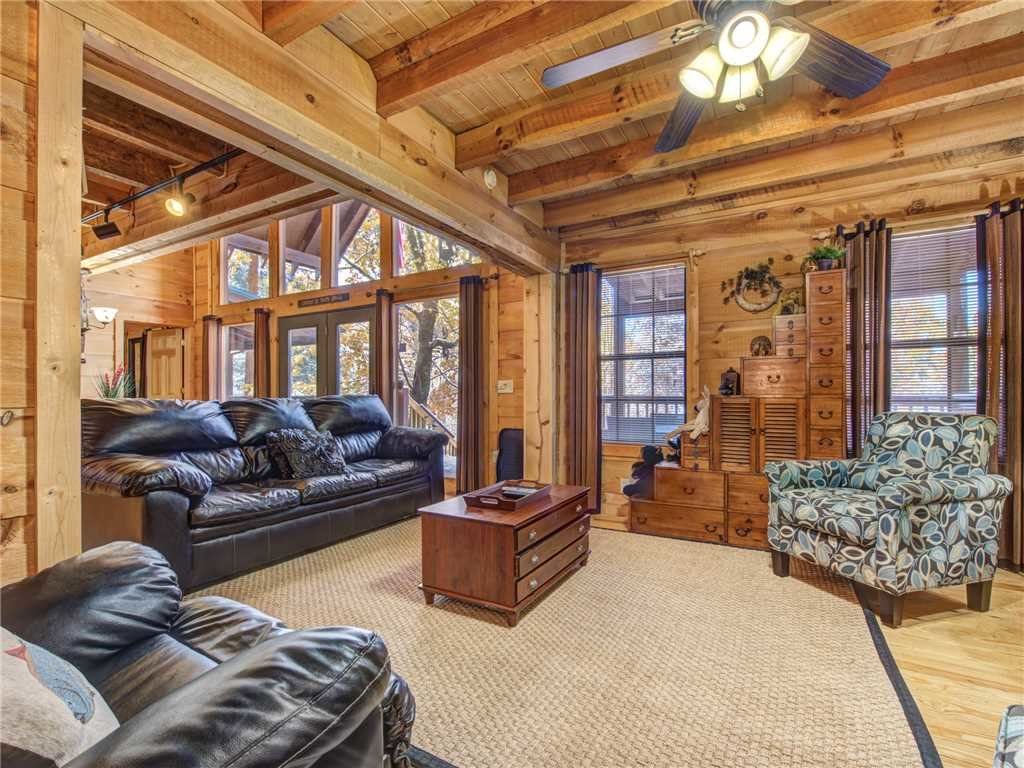Photo of a Sevierville Cabin named Sunset Lodge - This is the third photo in the set.