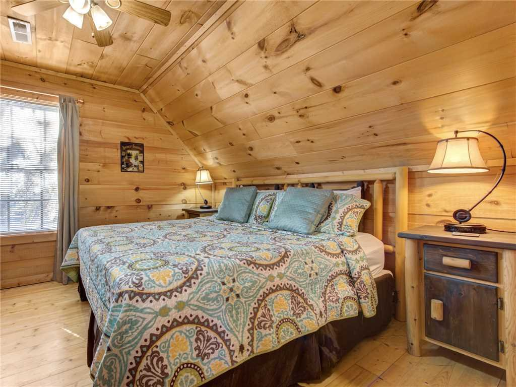 Photo of a Sevierville Cabin named Sunset Lodge - This is the sixteenth photo in the set.