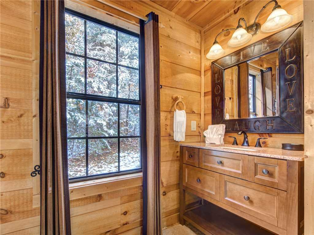 Photo of a Sevierville Cabin named Sunset Lodge - This is the twenty-first photo in the set.