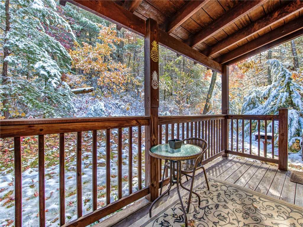 Photo of a Sevierville Cabin named Sunset Lodge - This is the twenty-fifth photo in the set.