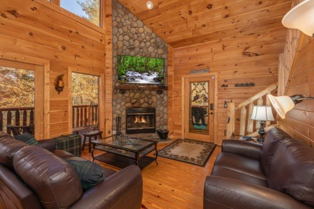 Photo of a Sevierville Cabin named All Hours - This is the second photo in the set.