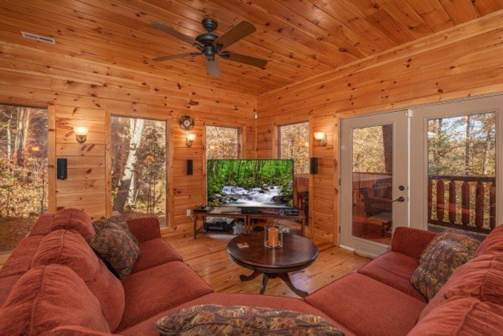 Photo of a Sevierville Cabin named All Hours - This is the fifteenth photo in the set.