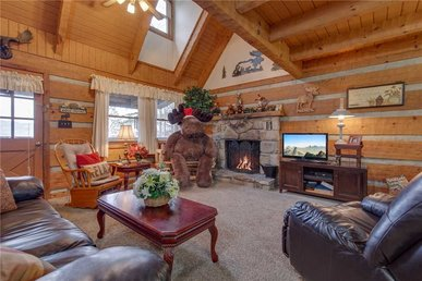 Moose Crossing, 3 Bedrooms, 2 Bathrooms, Pool Access, Sleeps 7