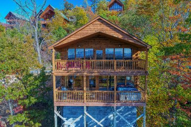 Morning View Is A Two Story, One Bedroom Log Cabin With A Spectacular View!