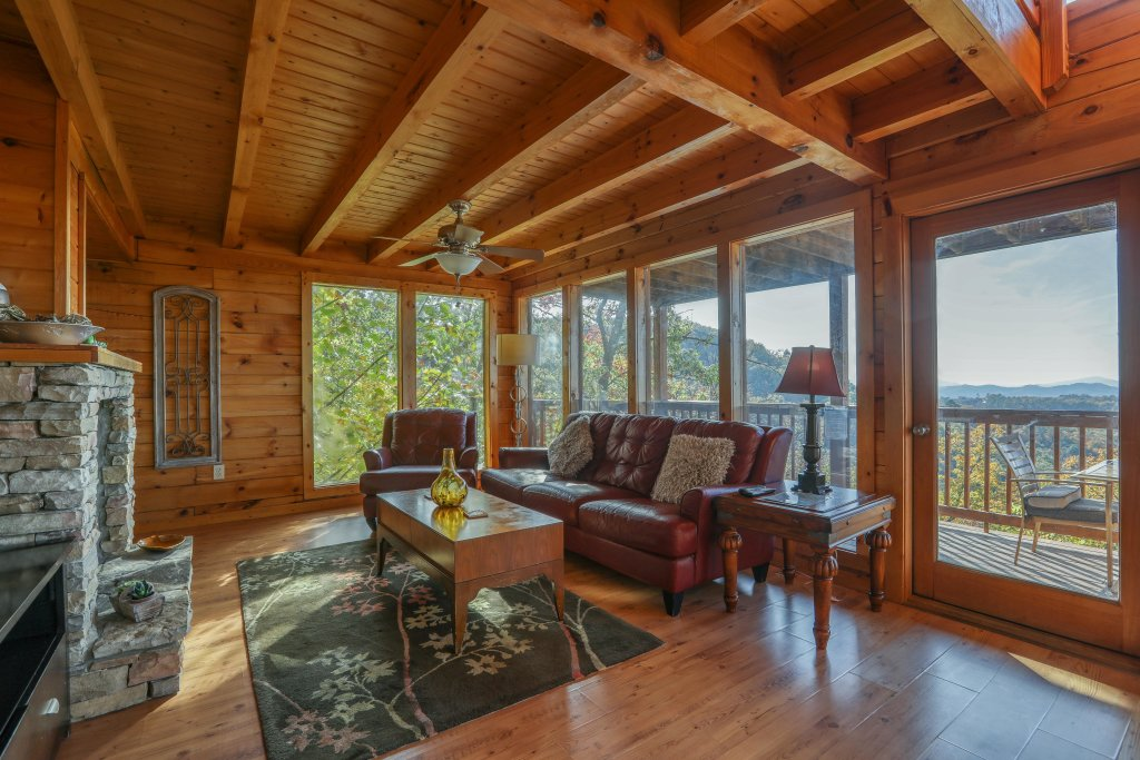Photo of a Pigeon Forge Cabin named Morning View #131 - This is the twenty-third photo in the set.