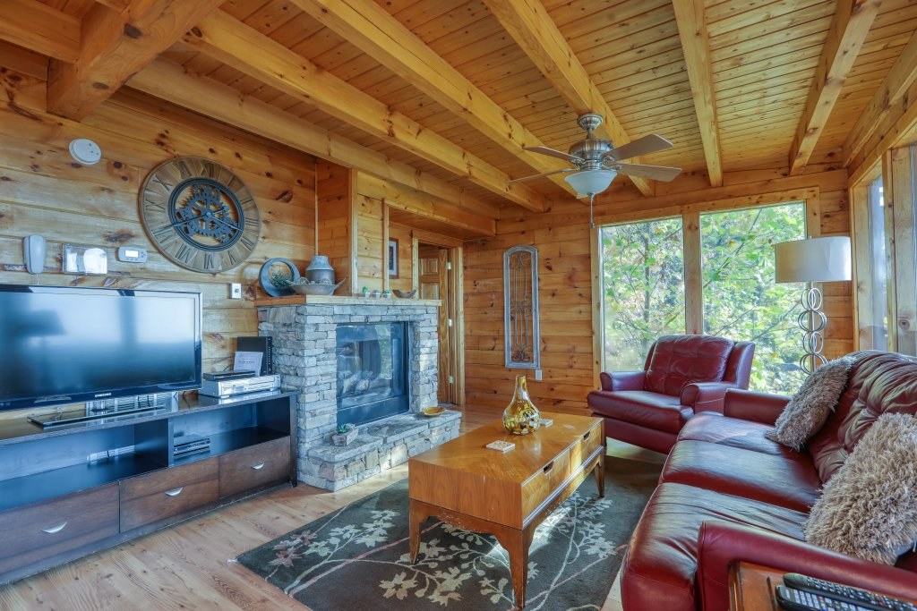 Photo of a Pigeon Forge Cabin named Morning View #131 - This is the twentieth photo in the set.
