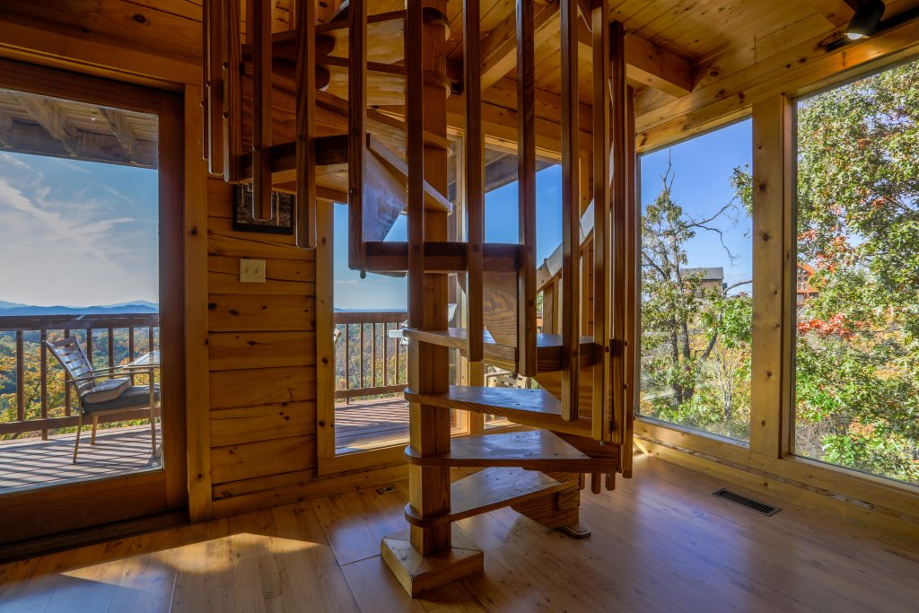 Photo of a Pigeon Forge Cabin named Morning View #131 - This is the twenty-eighth photo in the set.